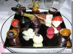 Desserten. Specielt bananen i midten var genstand for MANGE kommentarer
