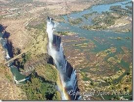 Victoria Falls oppefra - Bungeejumpbroen til venstre...