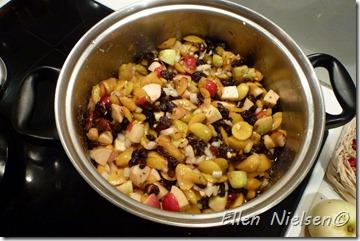 Ingredienserne til Ellens æble-blommechutney